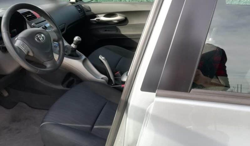 Toyota Auris 1.4 D-4D Sol completo